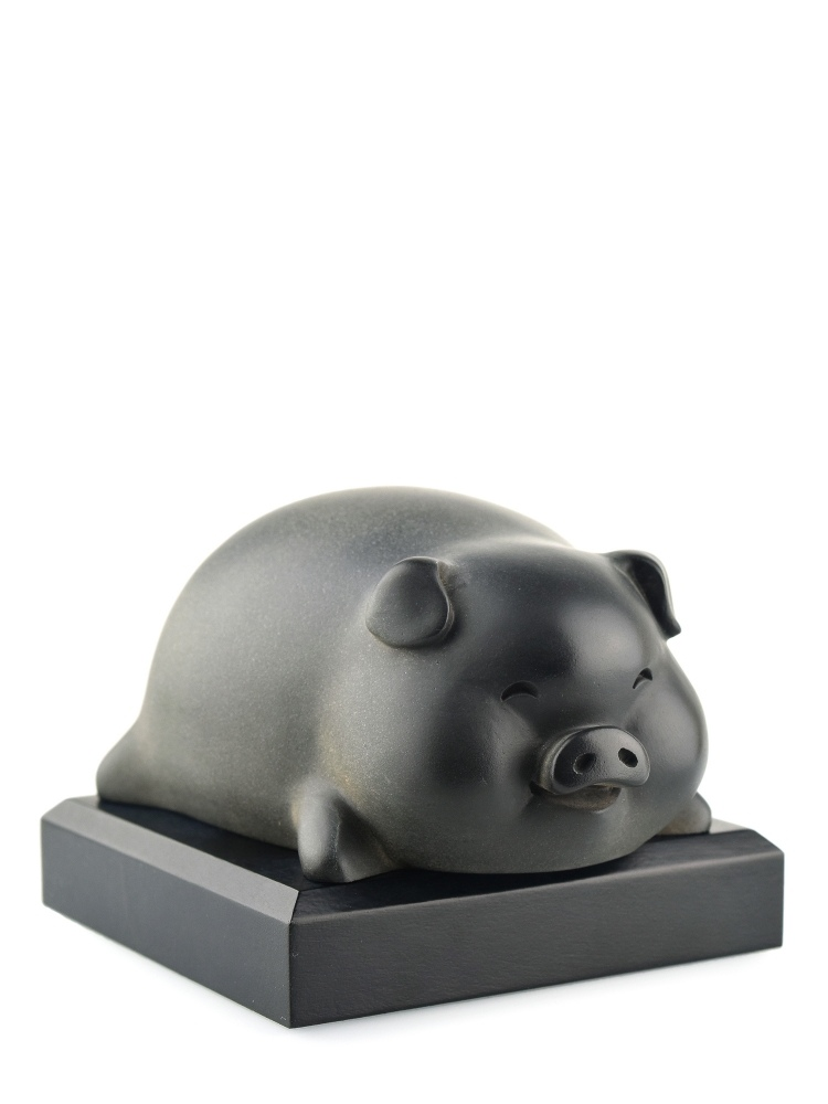 Tai Hwa Sculpture Piggy Pang Du Du Stone Black