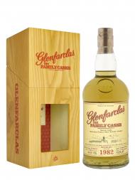 Glenfarclas Family Cask 1982 33 Year Old Cask 2074 4th Fill Hosghead W15 Single Malt w/box 700ml
